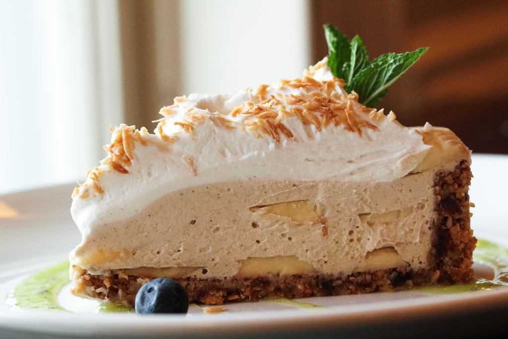 coconut and bananas should be creamy banana pie crust with bananas ...