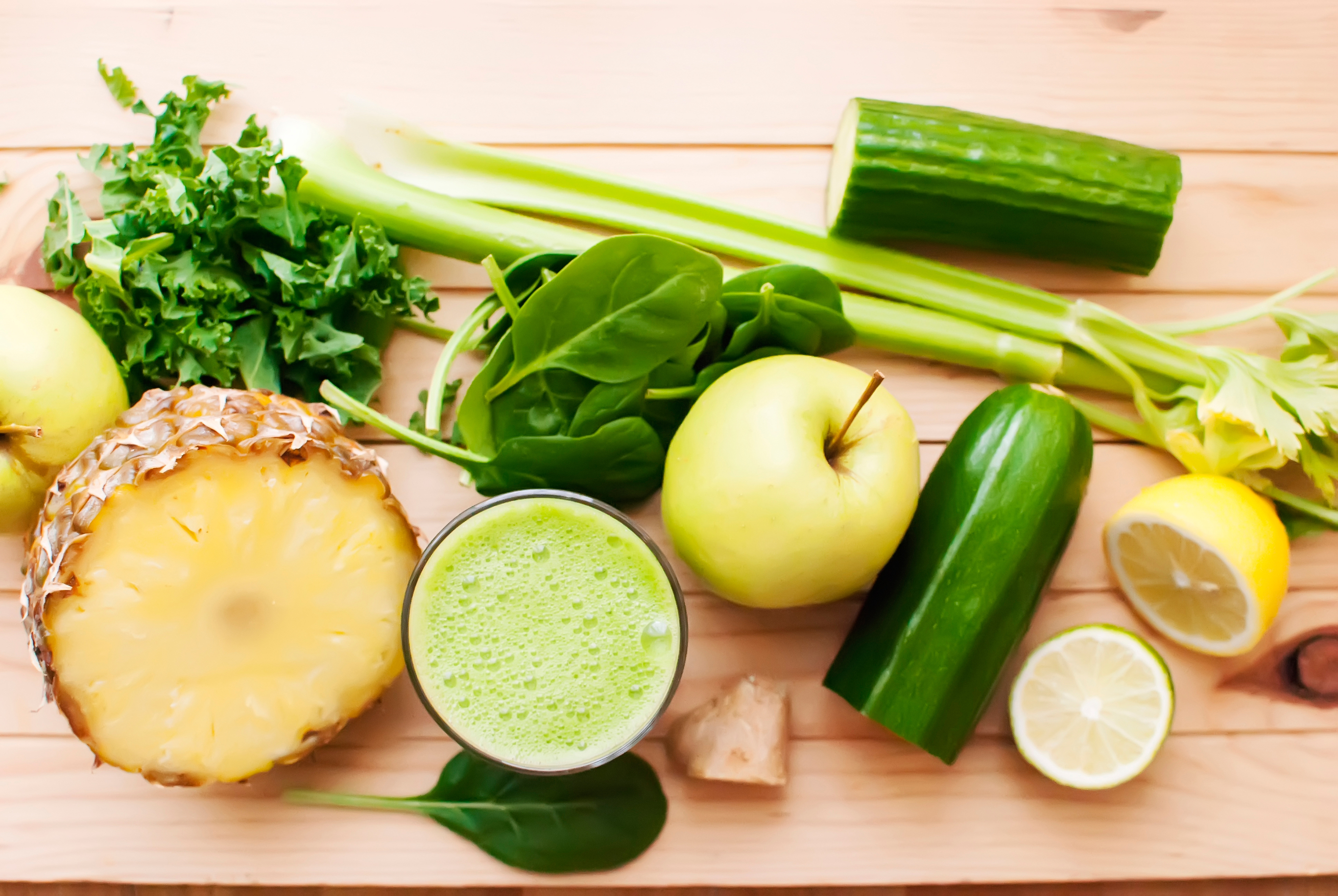 Top 6 mistakes to avoid when transitioning to a raw food diet green juice ingredients forumfinder Images