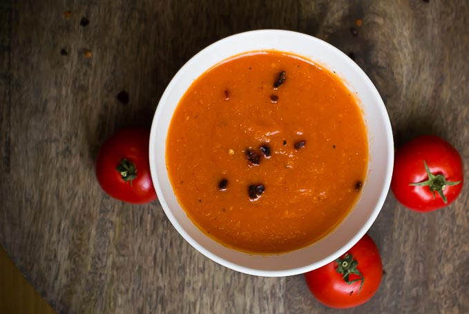 Roasted Pepper and Tomato Sauce-oil free, vegan and made with just 4 ingredients!