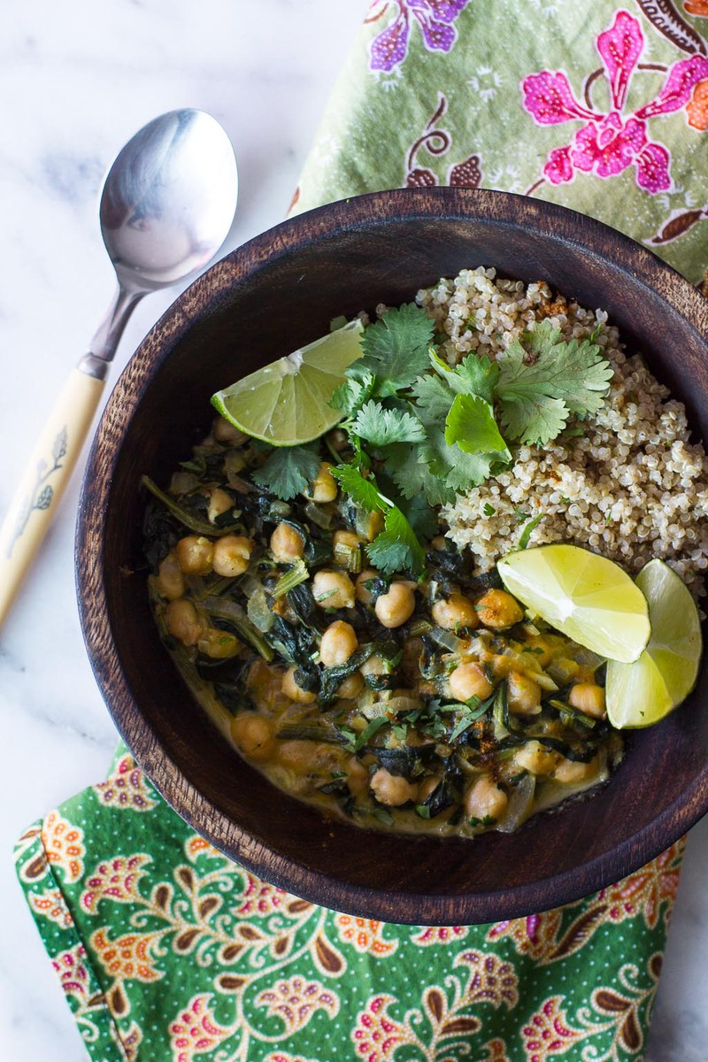 Vegan channa saag with warm Indian spices, chickpeas, and spinach!