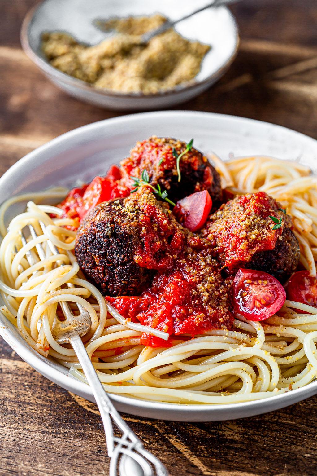 Spaghetti and Spicy Vegan Meatballs